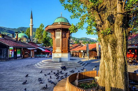 Nyár eleji vagy őszi látogatás Szarajevóban