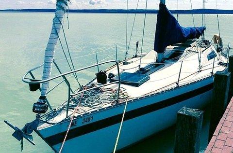 2 órás nyári vitorlázás a Balatonon kapitánnyal