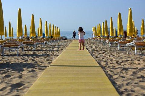 8 napos vakáció az olasz Adrián akár 7 főnek