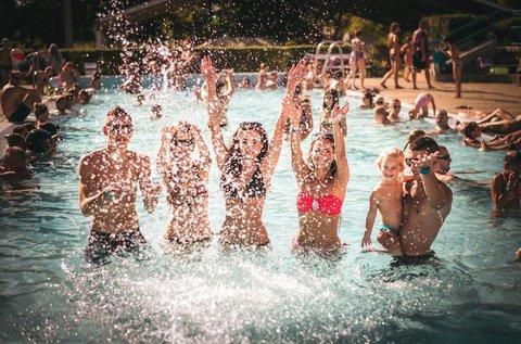 Hűsítő nyári napok fürdőbelépővel Orosházán