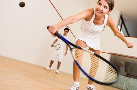 Pörögj fel 10+1 alkalmas squash pályabérlettel!