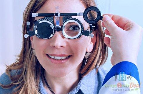 Divatos szemüveg készítés Essilor lencsével