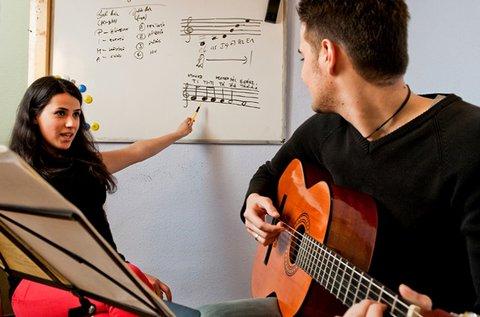 12 alkalmas egyéni gitártanfolyam