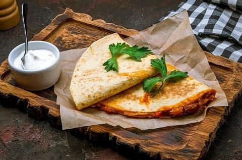2 választható quesadilla friss kevert salátával 2 főre