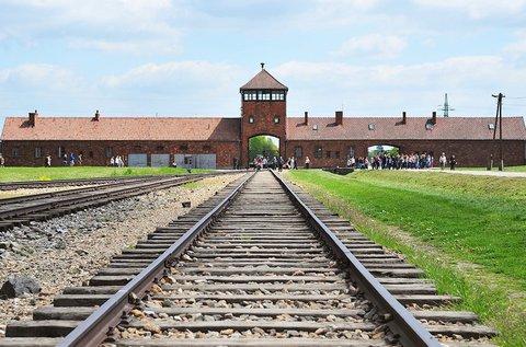 Buszos látogatás Krakkóban és Auschwitzban