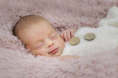 Újszülött fotózás 14 napos korig, otthonodban