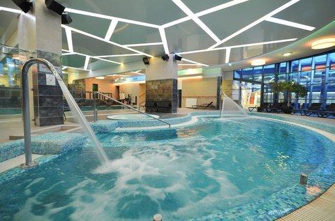 Kényeztető wellness Egerben fürdőbelépővel