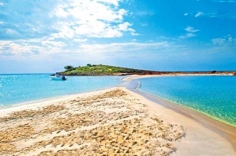 8 napos üdülés Ciprus fehérhomokos tengerpartján
