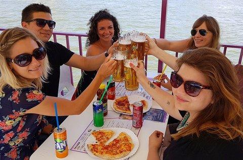 Városnéző sétahajózás pizzázással a Dunán