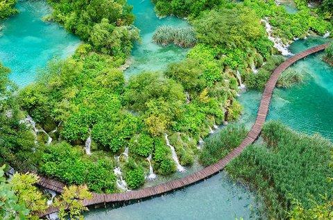 Kirándulás a festői szépségű Plitvicei-tavakhoz