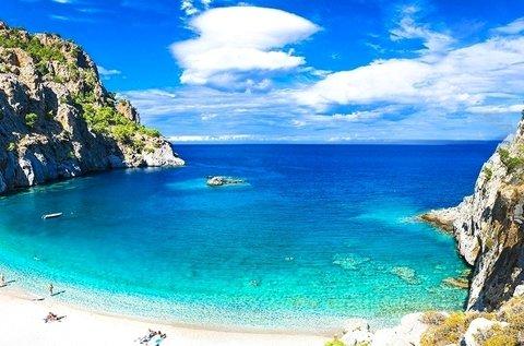 8 napos nyár végi vagy ősz eleji üdülés Karpathos-on
