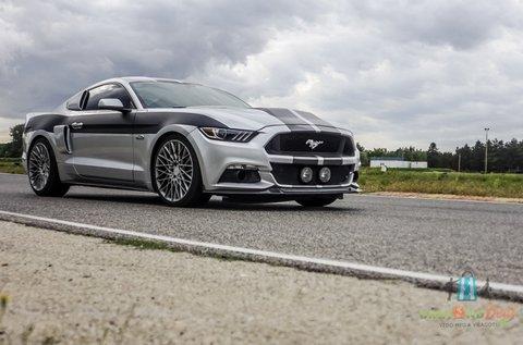 Száguldj 500 lóerős Ford Mustanggal 3 körön át!