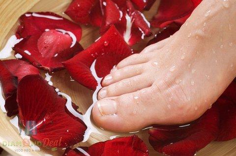 Csodás lábak esztétikai vagy gyógypedikűrrel