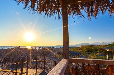 8 napos nyár Montenegró homokos tengerpartján