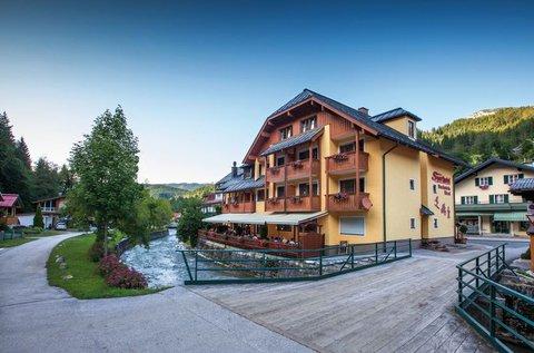 Aktív kikapcsolódás Ausztriában fürdőbelépővel