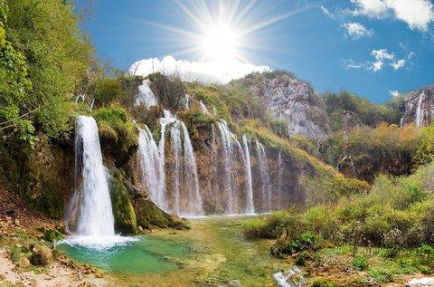 Buszos kirándulás a lenyűgöző Plitvicei-tavakhoz