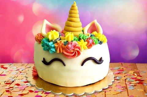 10 szeletes egyedi díszítésű torta választható ízben