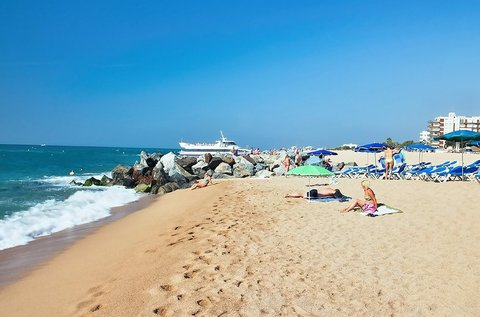 1 hetes fürdőzés a spanyol vad parton, Costa Braván
