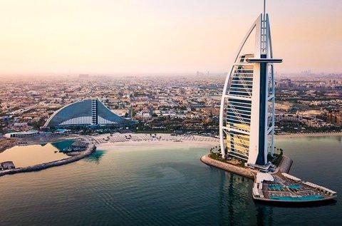 6 napos luxus utazás 1 főnek Dubaiba repülővel
