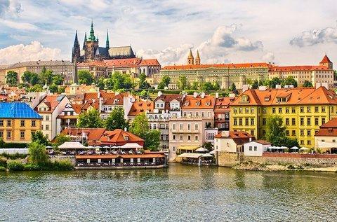 Hangulatos látogatás a száztornyú Prágában