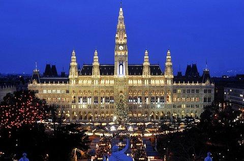 Hangulatos adventi buszos kirándulás Bécsben