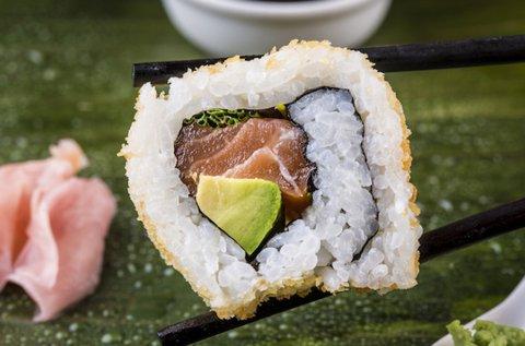 Különleges 18 db-os grillezett és sült sushi szett