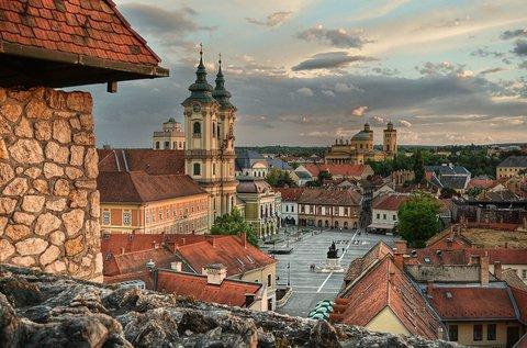 Békés hétköznapok Eger történelmi belvárosában