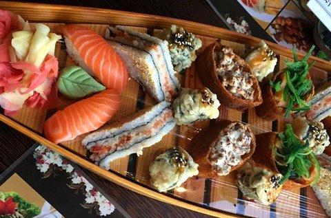 Lazacimádó sushihajó 2 főre friss alapanyagokból