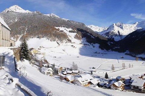 Téli pihenés Dél-Tirolban vezetett hótalpas túrával