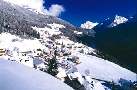 5 napos élménydús síelés decembertől Dél-Tirolban