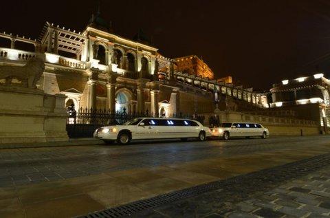 Exkluzív limuzin bérlés Budapesten 9 fő részére
