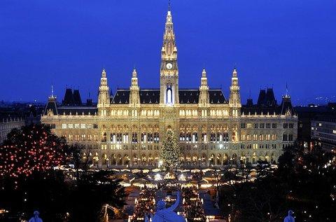 Hangulatos buszos utazás decemberben Bécsbe