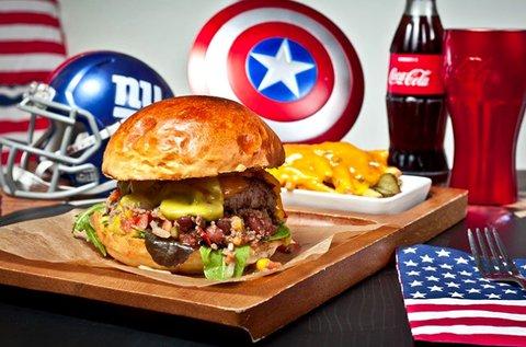 Nine Tables Burger menü 2 főre Hulk burgonyával