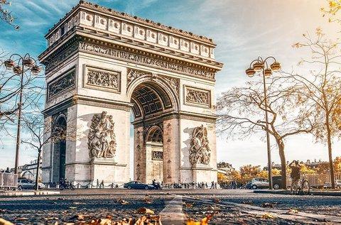 Kiruccanás Párizsba, a szerelem fővárosába