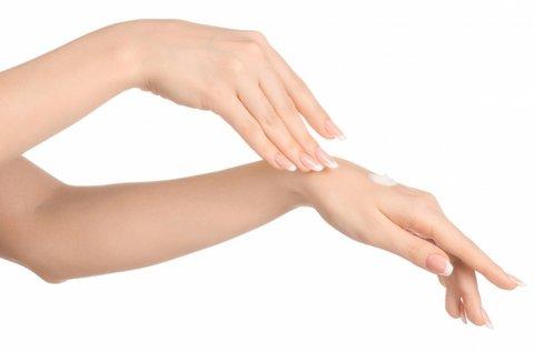Fiatalos, ránctalan kezek BFL elektrostimulációval