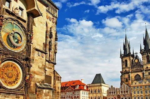 Látogatás a száztornyú Prágában, hétvégén is