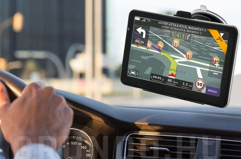 GPS navigációs készülék teljes Európa térképpel