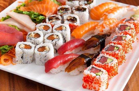 Sushi ínyenceknek főzőkurzus italfogyasztással