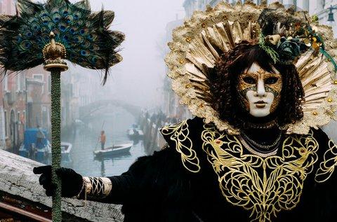 Hétvégi buszos kirándulás a Velencei Karneválra