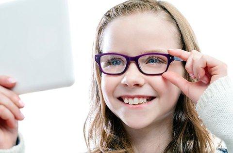 Gyerekszemüveg ellenálló, könnyű Essilor lencsével