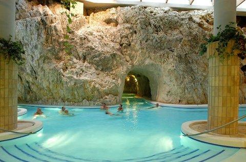 Miskolctapolcai pihenés Barlangfürdő belépővel