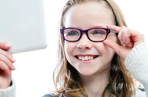 Gyermekszemüveg könnyű és ellenálló lencsével