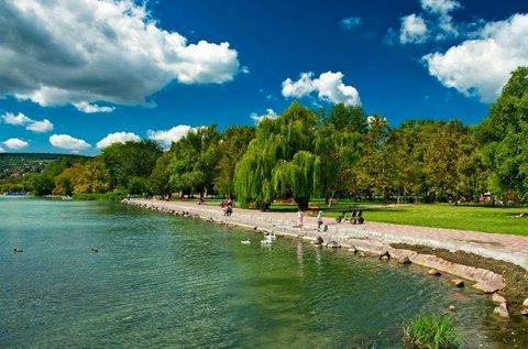 Aktív pihenés fallabdázással a Balaton mellett