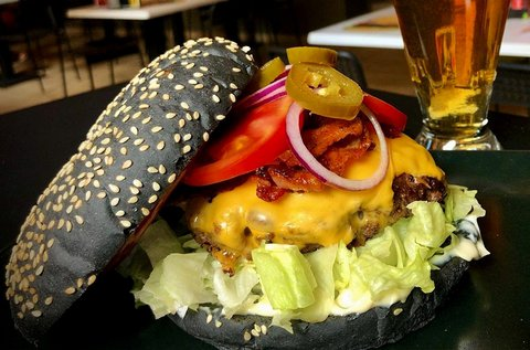 Bistro Burger fekete bucival 1 fő részére