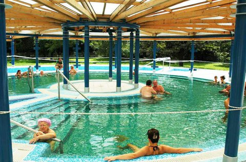 Kalocsai felfrissülés gyógyfürdő belépővel