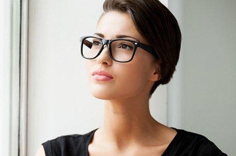 Komplett szemüveg vékonyított Essilor lencsével