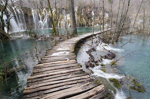 Téli varázs a festői szépségű Plitvicei-tavaknál