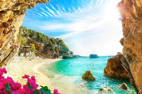 1 hetes nyár eleji kiruccanás Korfura repülővel