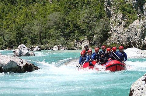 Vadvízi rafting kaland a szlovéniai Soca-folyón