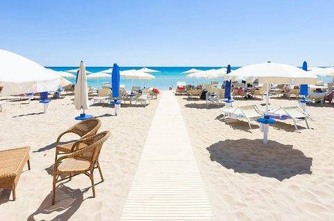 1 hetes tengerparti nyaralás 4 főnek Lido di Spinában